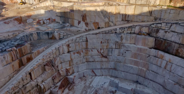 Buying and importing marble, granite and sandstone