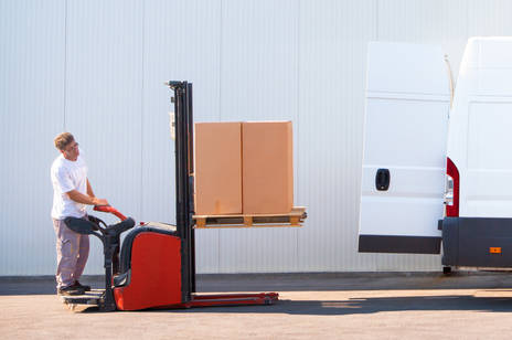 Import forklifts and loading and unloading machinery